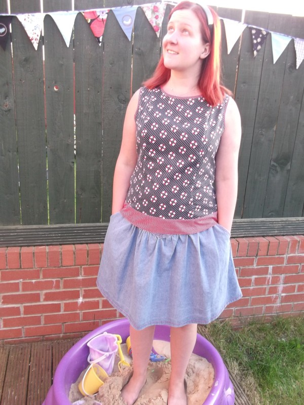I'm wearing my Sewaholic Pendrell with my Sewaholic Crescent skirt!