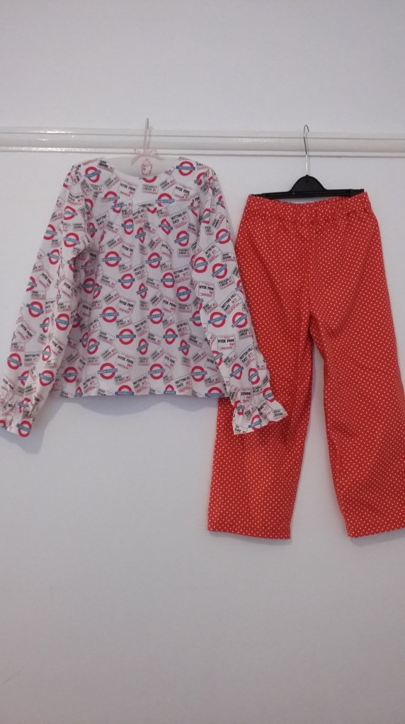London-themed pyjama set