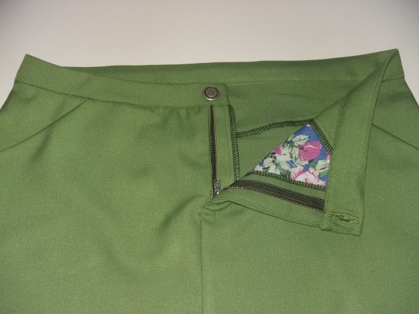Moss Skirt Toile made in green gabardine